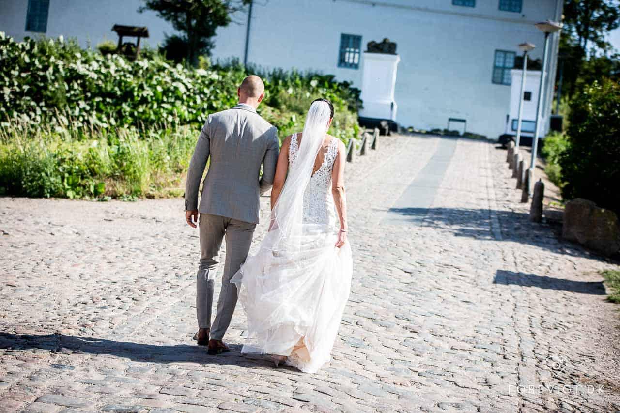 Bryllups Fotograf der dækker Sjælland - Book din fotograf nu