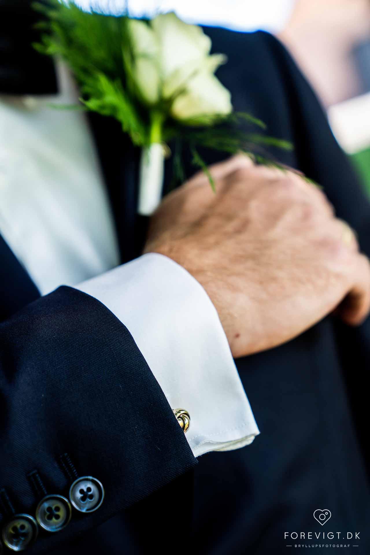 Efter vielsen vælger mange brudepar slottet eller slotsparken som den romantiske ramme for  bryllups billederne