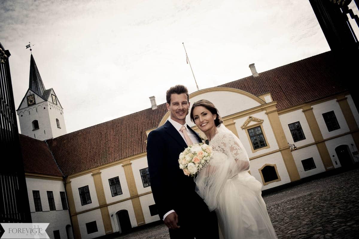 brudepar ved dronninglund slottet