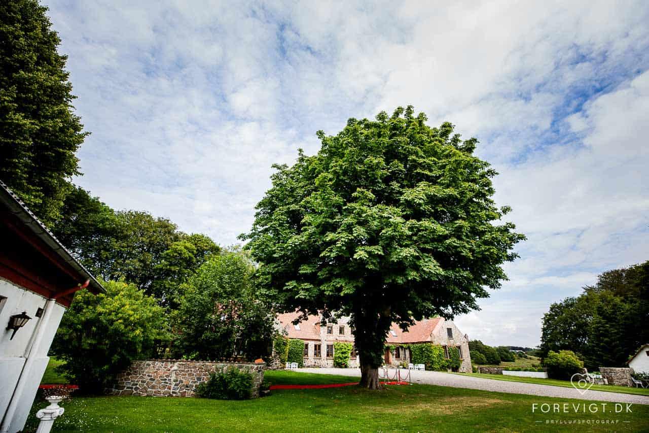 Lille Restrup Hovedgård. En charmerende herregård beliggende i smuk natur - perfekt til bryllupper, konfirmationer, firmaarrangementer