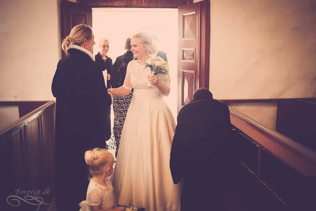 goedvad-kirke-bryllupsfoto-1-26