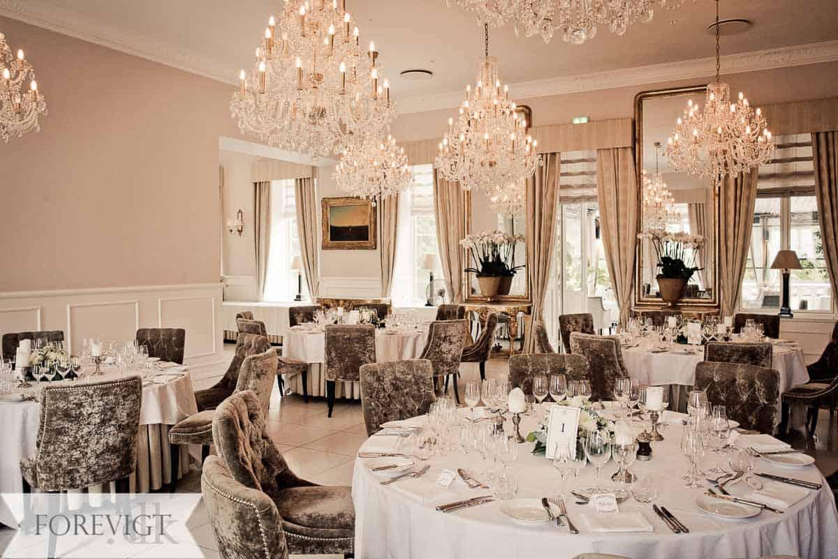 Romantisk bryllupsfest i eventyrlige rammer