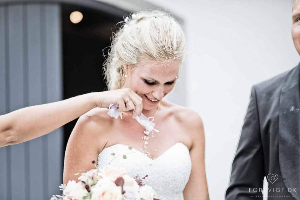 bruden ved kirken