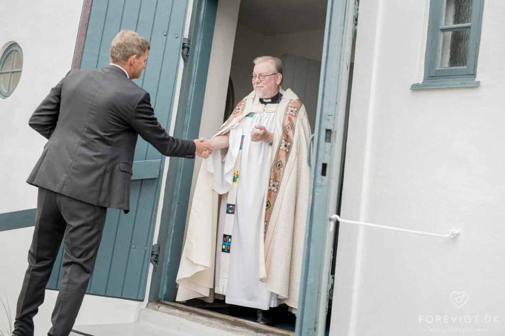 Præsten i den svenske sømandskirke i Skagen