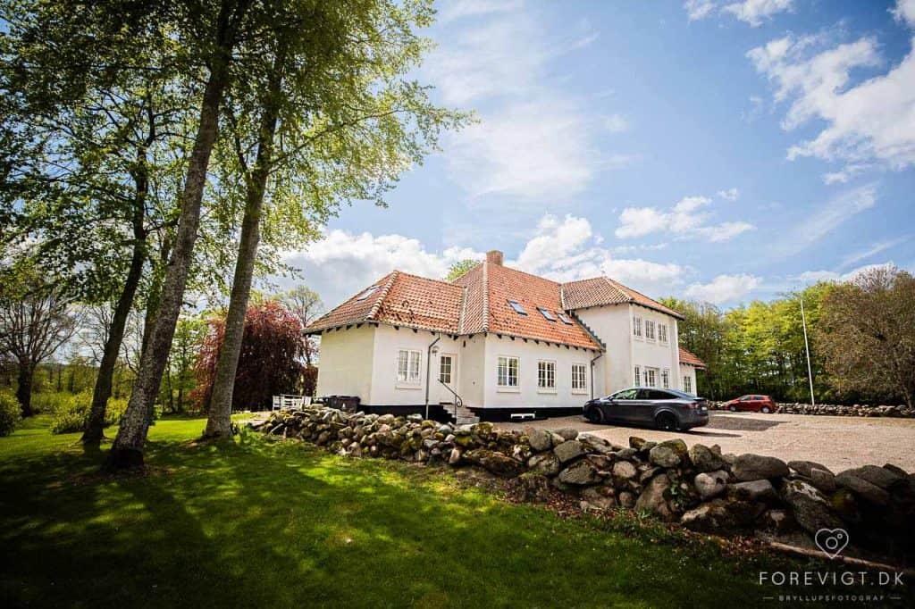 Smukt bryllup på romantiske Sebber Kloster.
