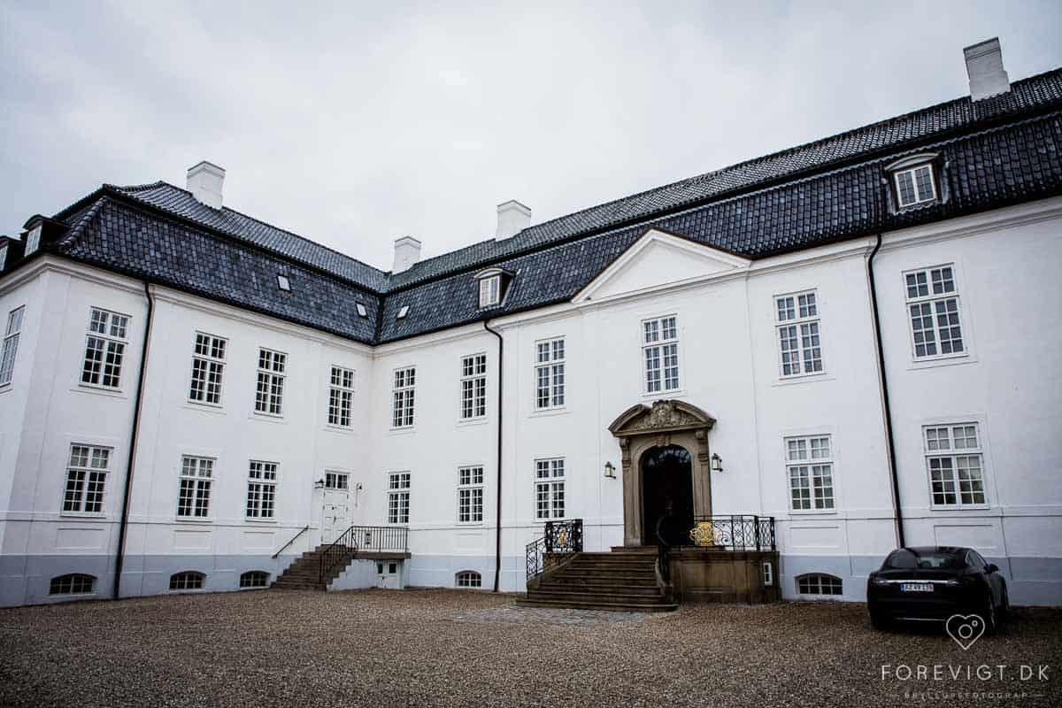 borgen Kildeborg - Hvidkilde Gods er anlagt som skovenestegård