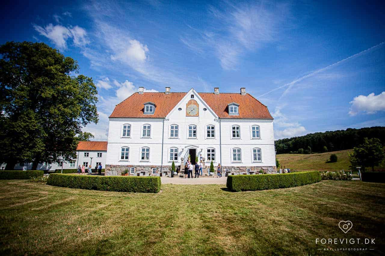 bryllup i Vejle ved et super romantisk Hotel Haraldskær