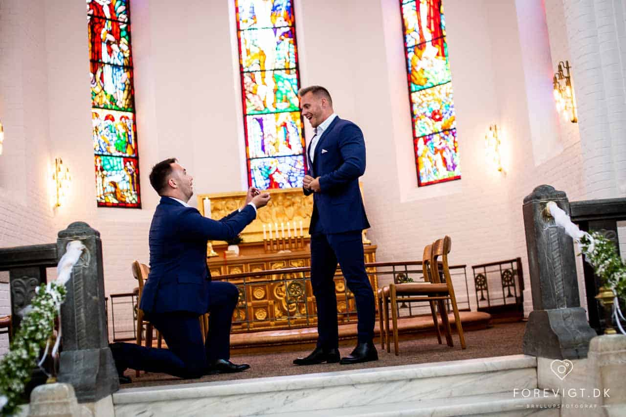 Images for Brudeparret sagde ja i Vor Frelsers Kirke