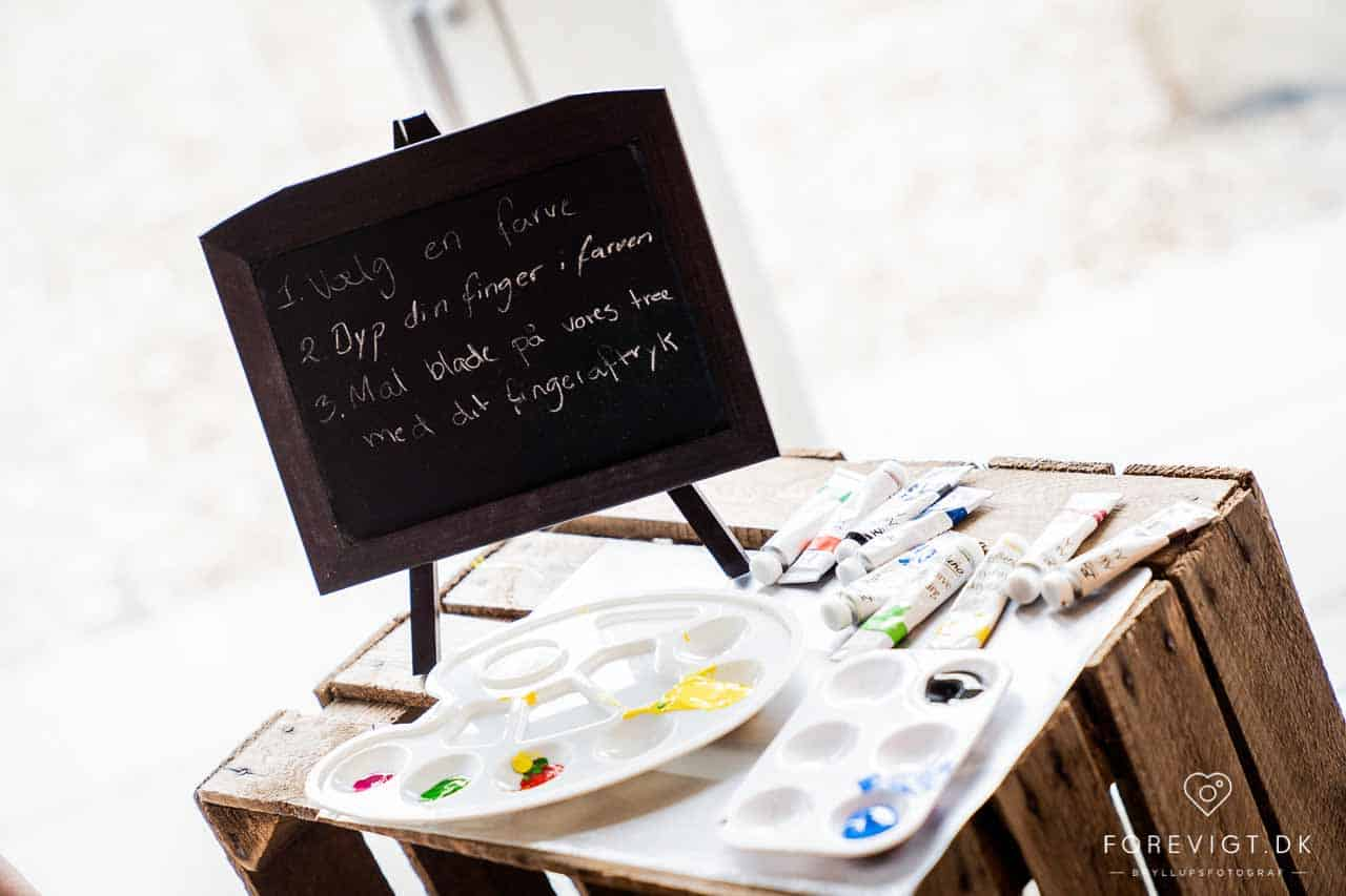 Weekendens brudepar har været super kreative, og bygget bordplanen