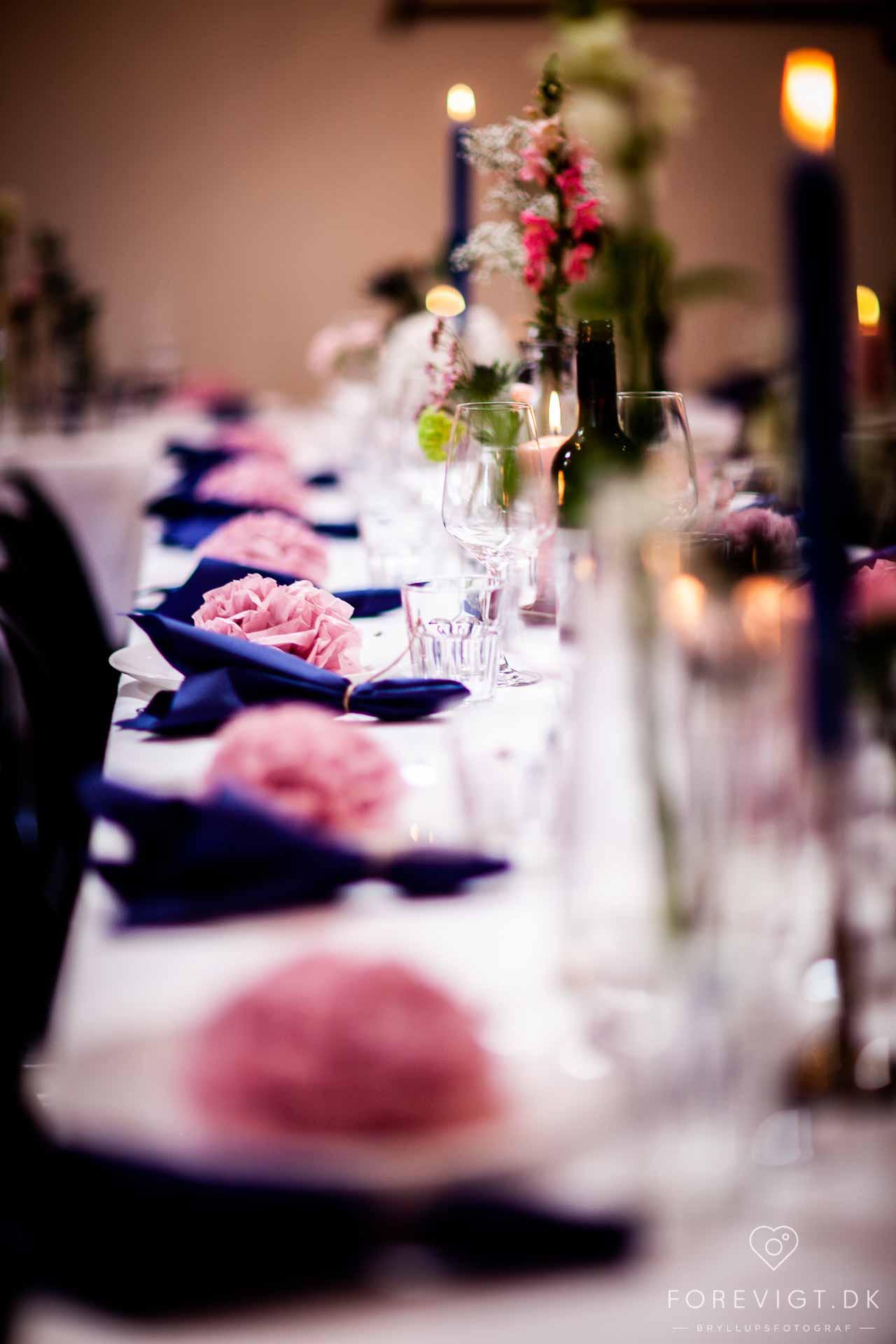 fantastisk bryllup der med 95 gæster i en stor flot lade