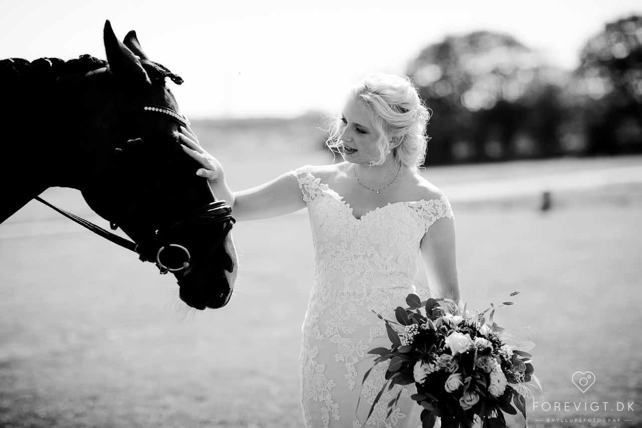 Vil du også holde brylluppet i en romantisk lade?