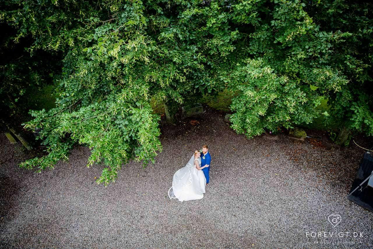 Drømmer du/I om et eventyrligt bryllup i smukke og romantiske rammer ? Under Odense Blomsterfestival