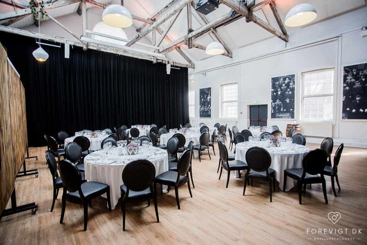 Hold brylluppet i et selskabslokale eller en restaurant