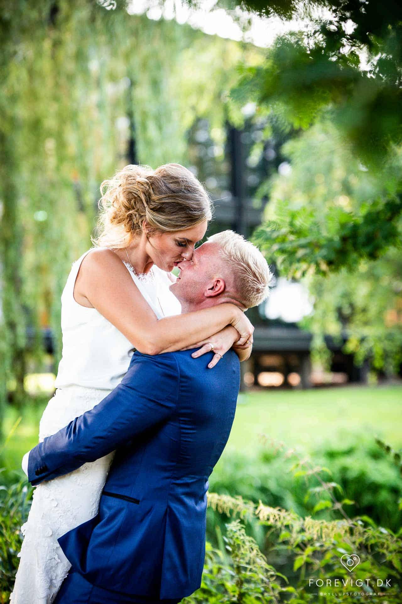Hold bryllup i Nordsjælland. Med sin unikke placering lige ud til Øresund