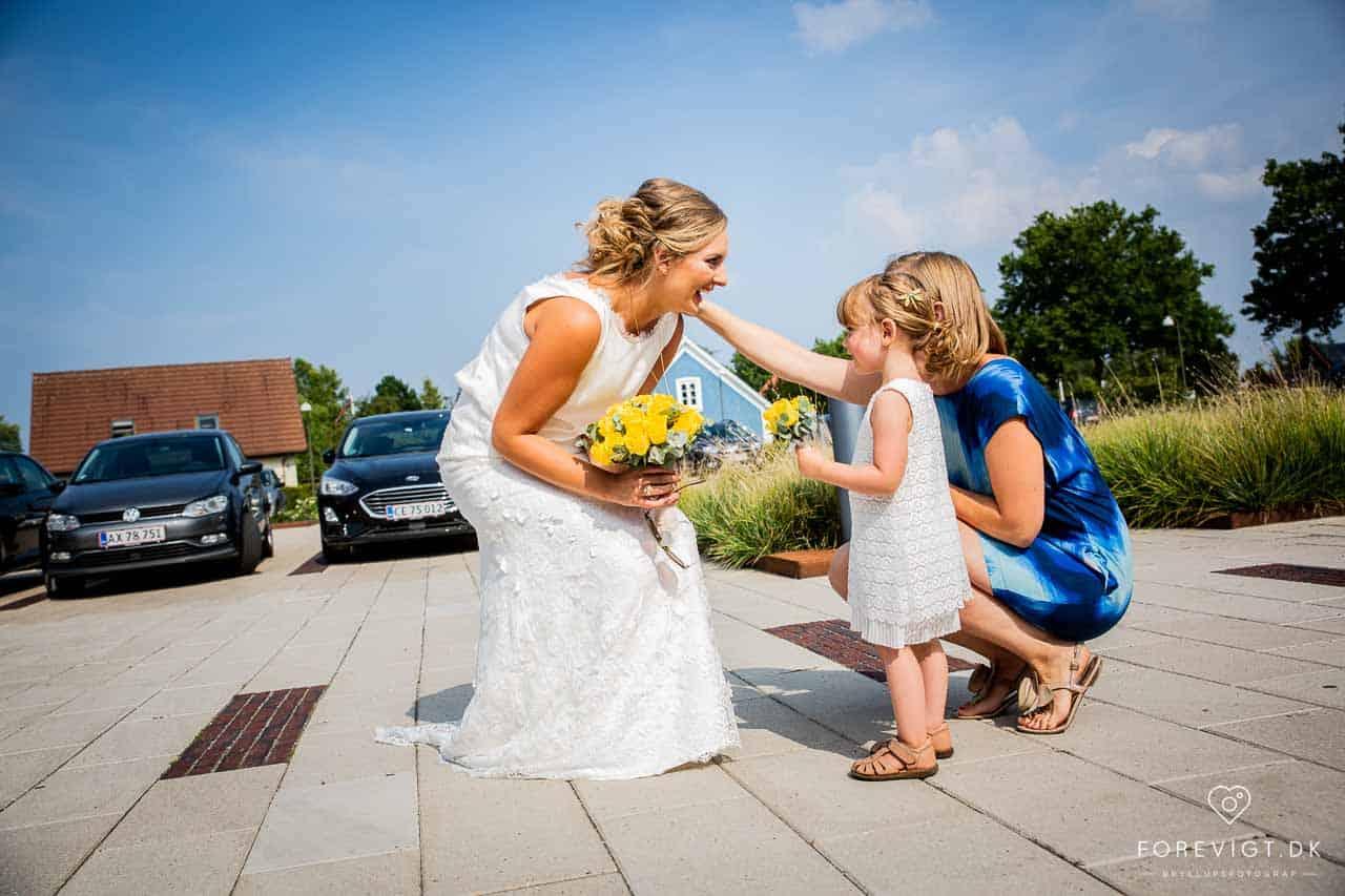 Vi fotograferer bryllupper i Hillerød, Nordsjælland og Storkøbenhavn, samt resten af Danmark.