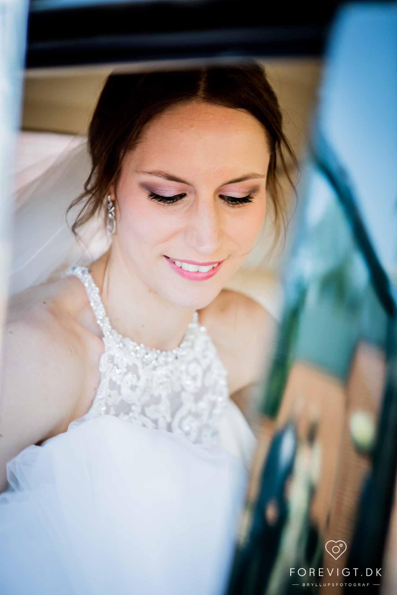 brud i bryllupstransport