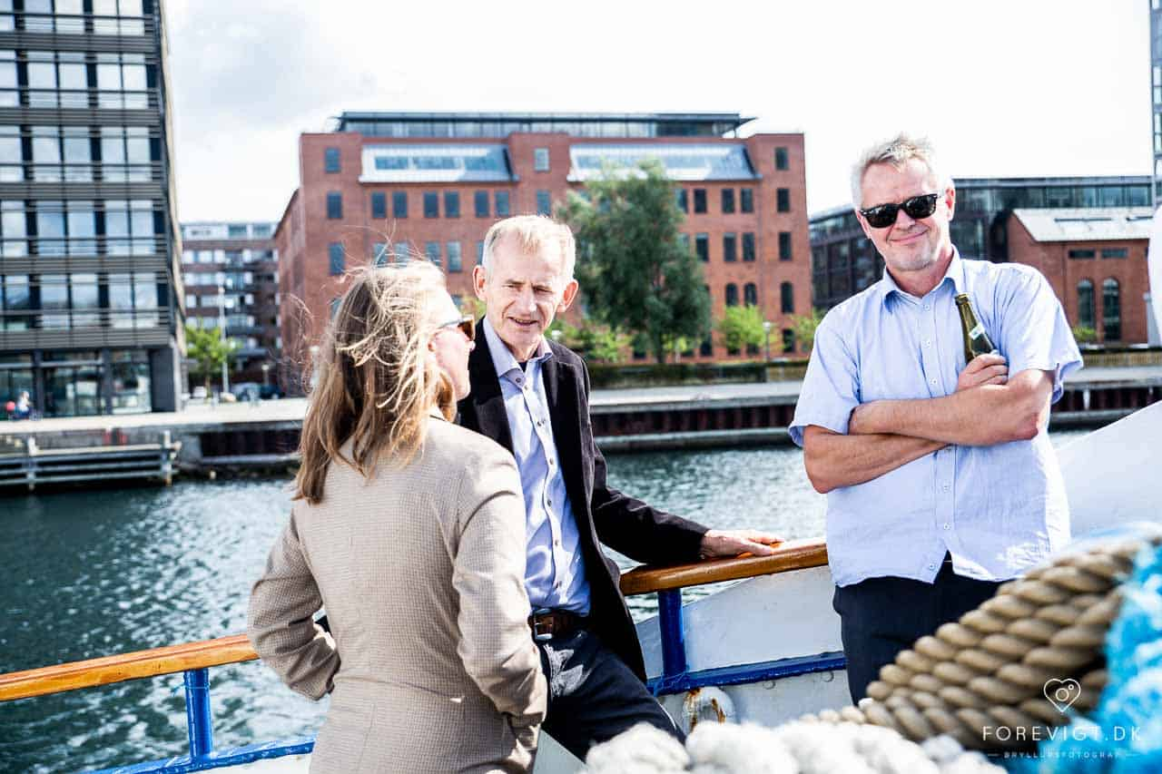 Billig/amatør fotograf søges til bryllup i København