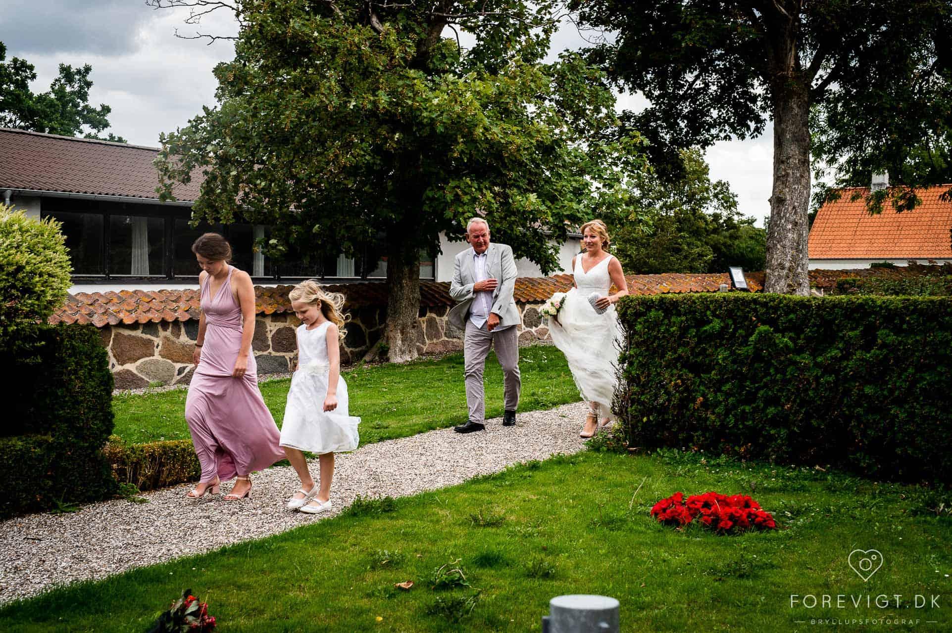 Billeder af Jørlunde Kirke bryllup