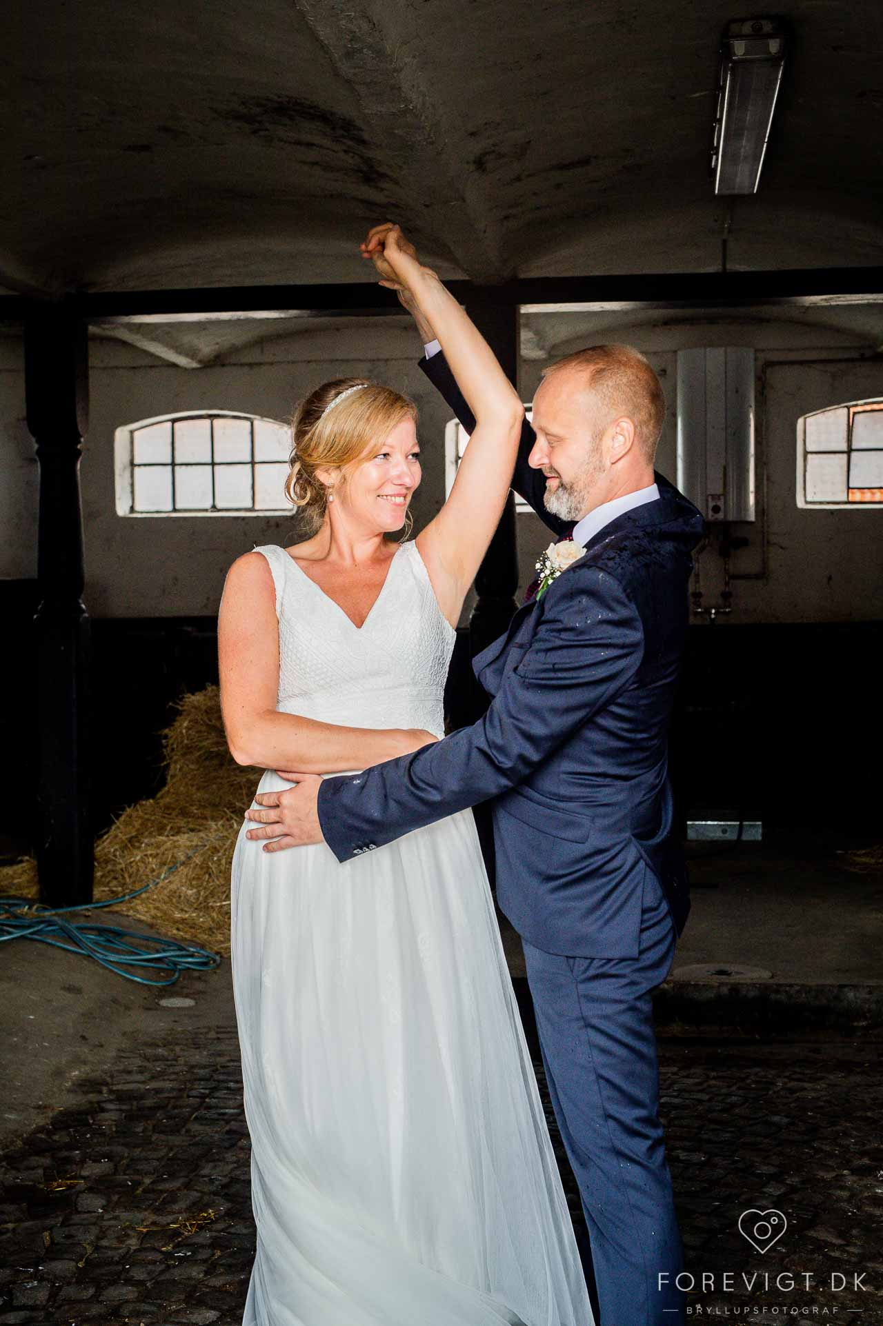 Bryllup · Begravelse og bisættelse