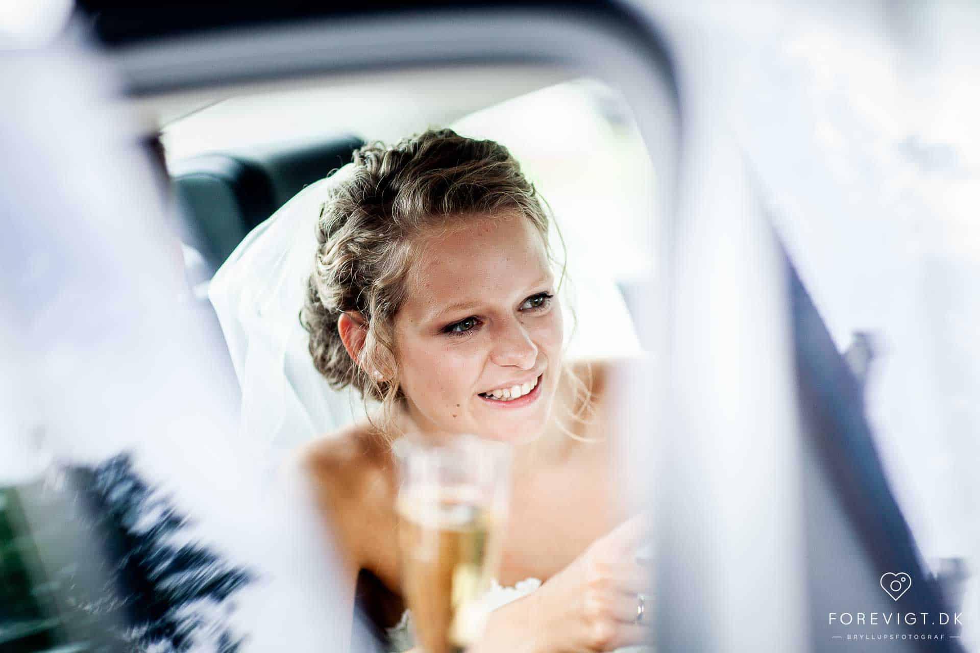 bruden ved Dronninglund Slotskirke bryllup