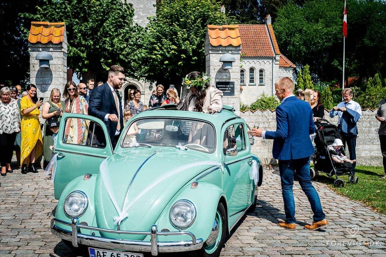 bryllupsbilen Strøby kirke bryllup på Stevns
