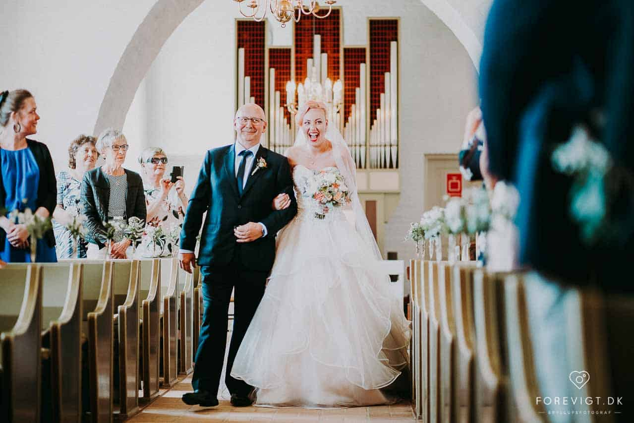 bruden med sin far Gærum kirke