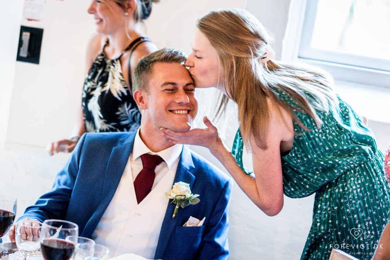 Bryllupsfotografering ved Tirsbæk Slot / Gods