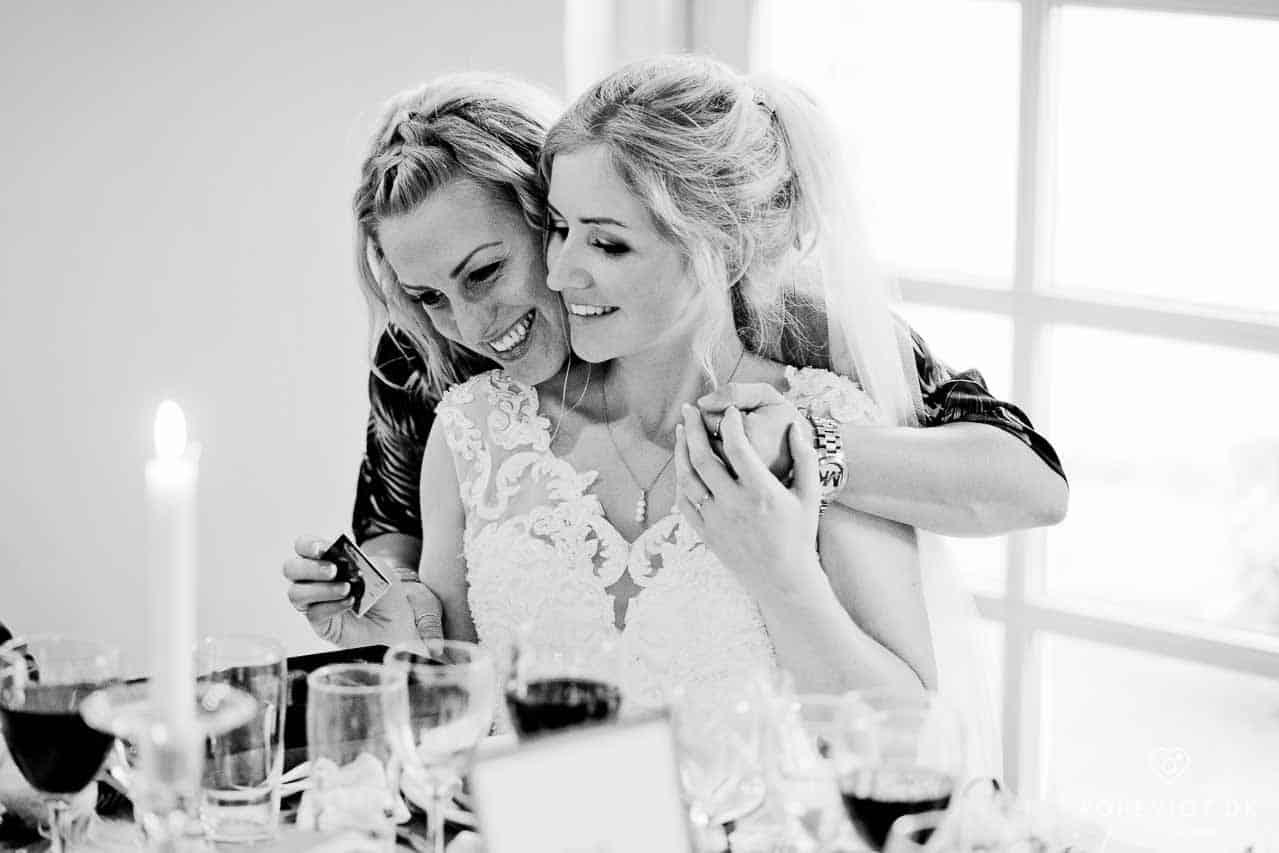 Et bryllup i Restaurant Slotsstalden på Tirsbæk Gods skal være en helt særlig oplevelse og minde