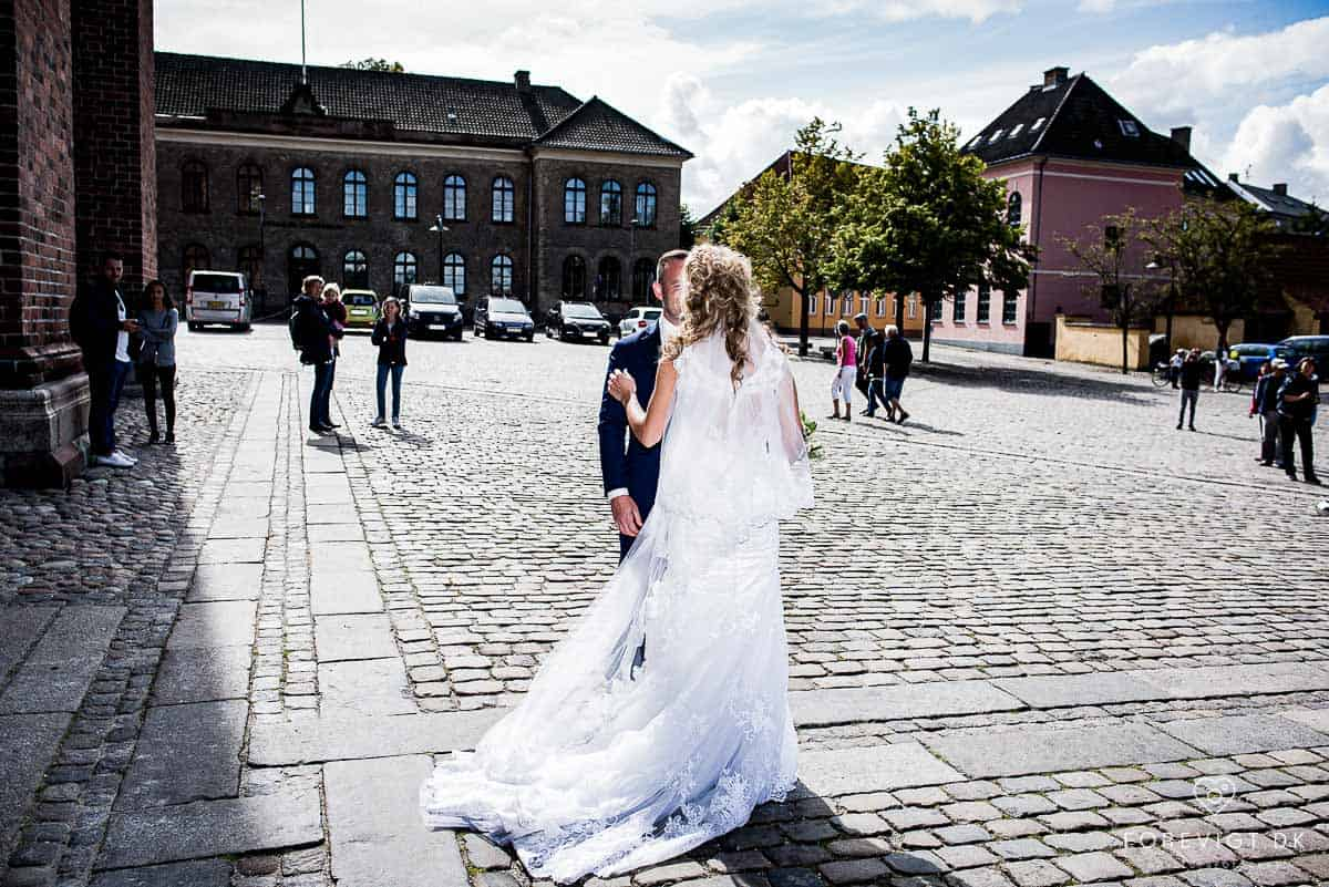 Danmarks bedste (og sødeste) bryllupsfotografer. Stemningsfulde bryllupsbilleder fra Jeres bryllup.