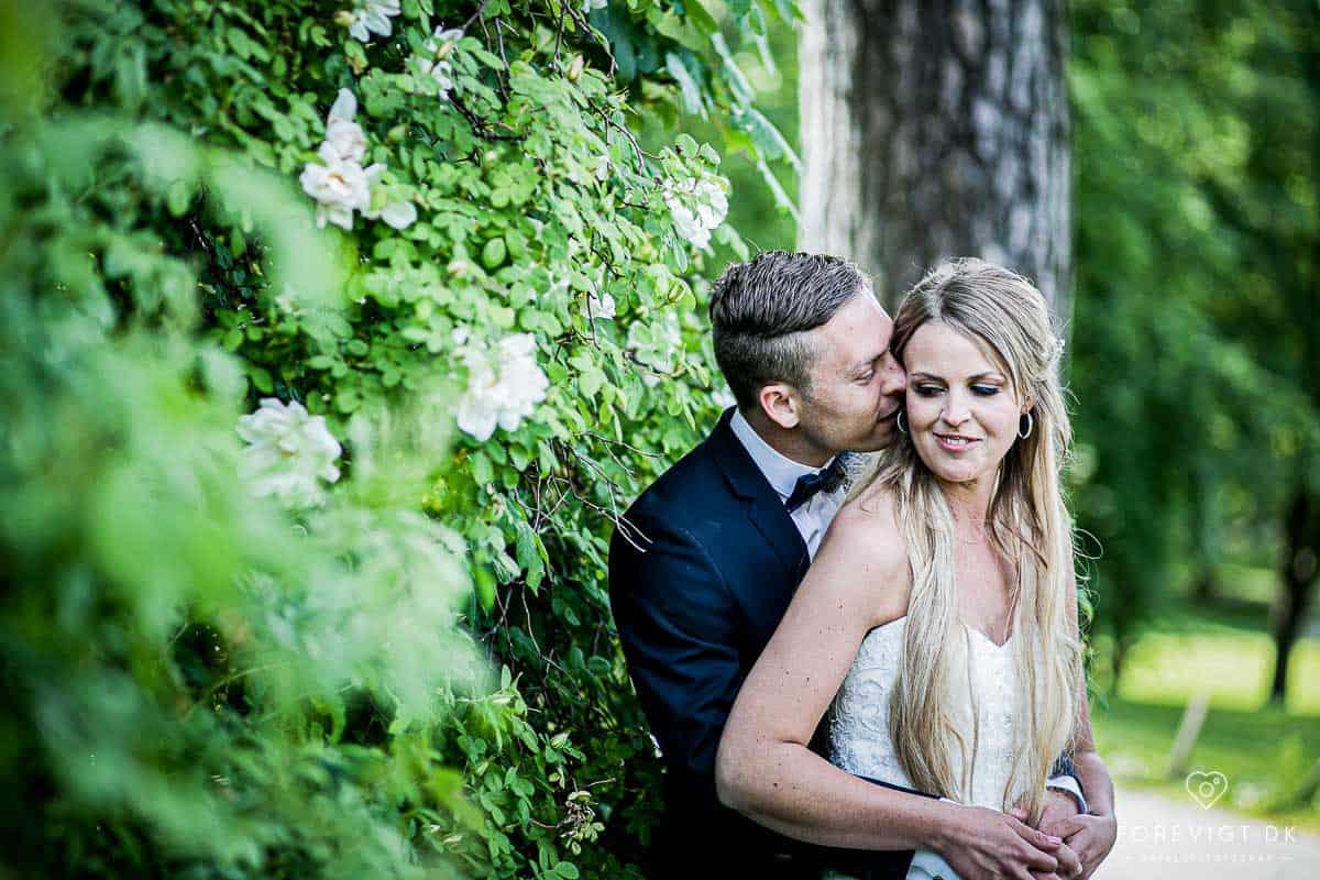 Bryllupsportrætter af brudeparret i Roskilde