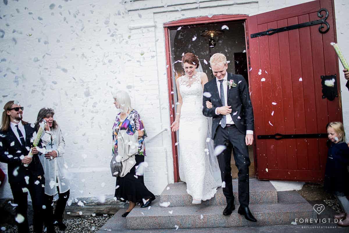 bruger lyset kreativt til at lave flotte bryllupsbilleder