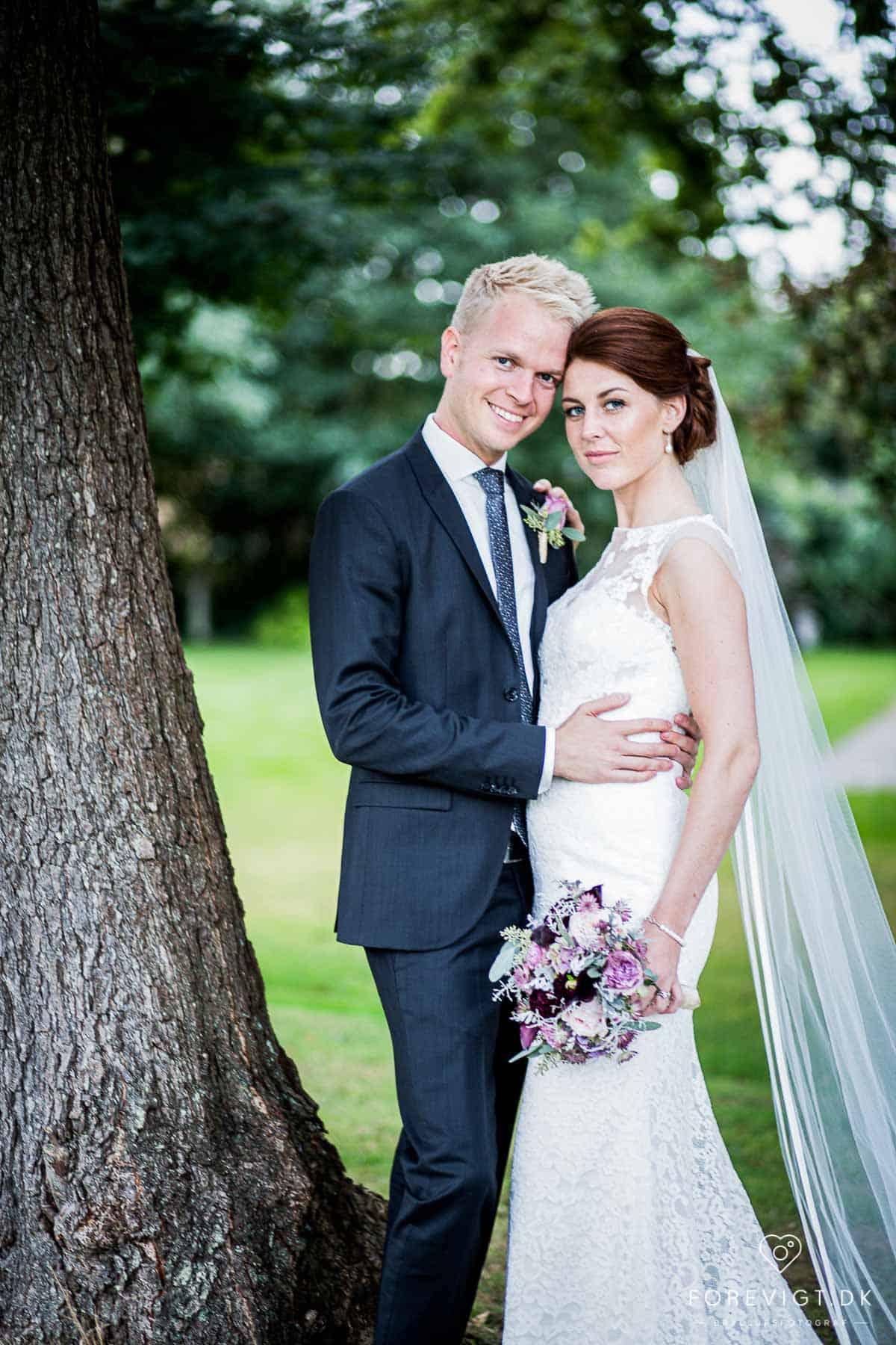 Landsdækkende bryllupsfotograf med base i Aarhus