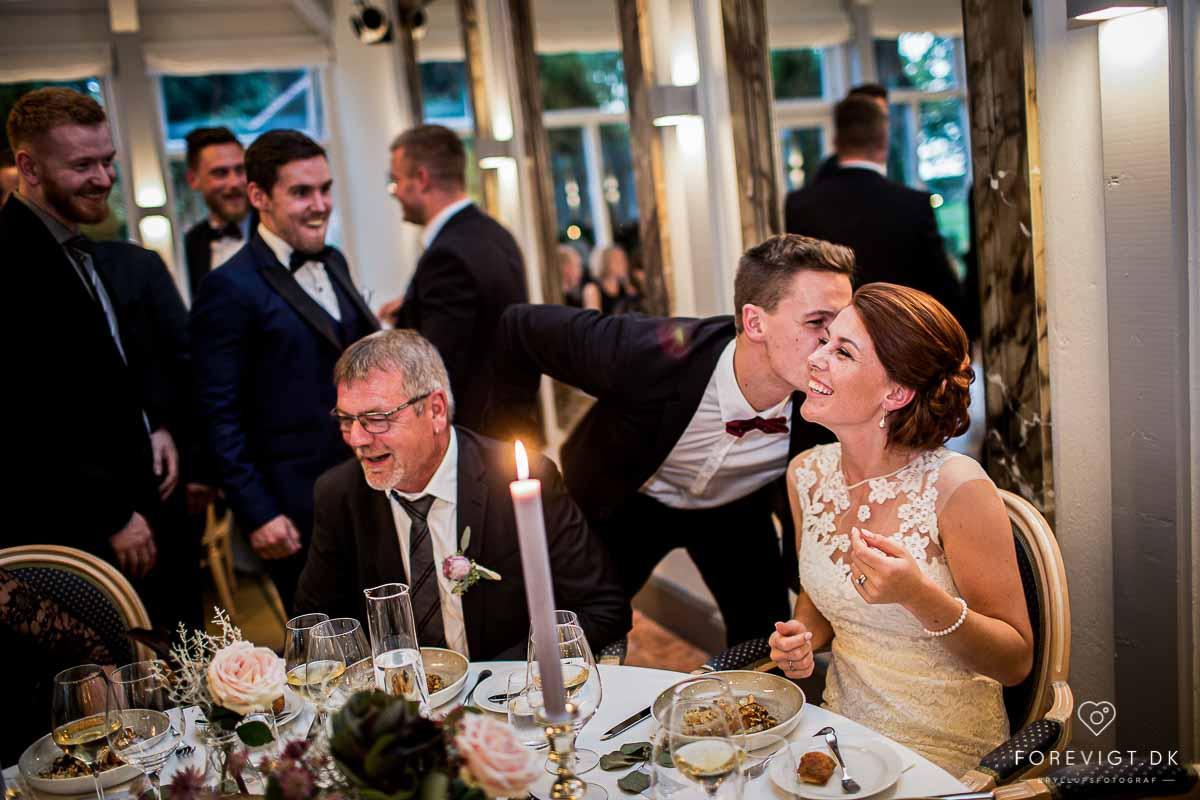 Fotograf 8400 Ebeltoft - fotografer, babybilleder, erhvervsfoto, børnefoto, bryllupsfotografering, 3dfoto, bryllupsbilleder, skolefoto, reklamefoto, billedjournalister