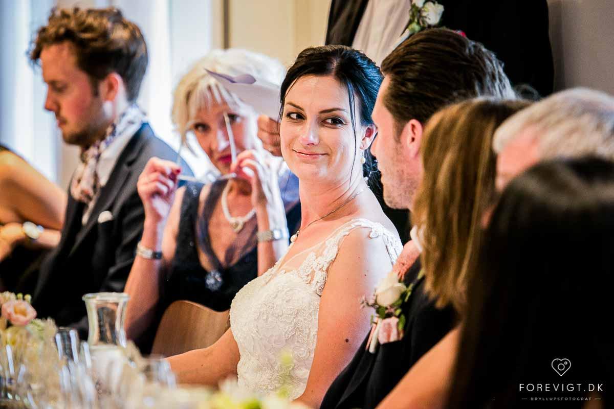 dygtig bryllupsfotograf i Aarhus eller Østjylland