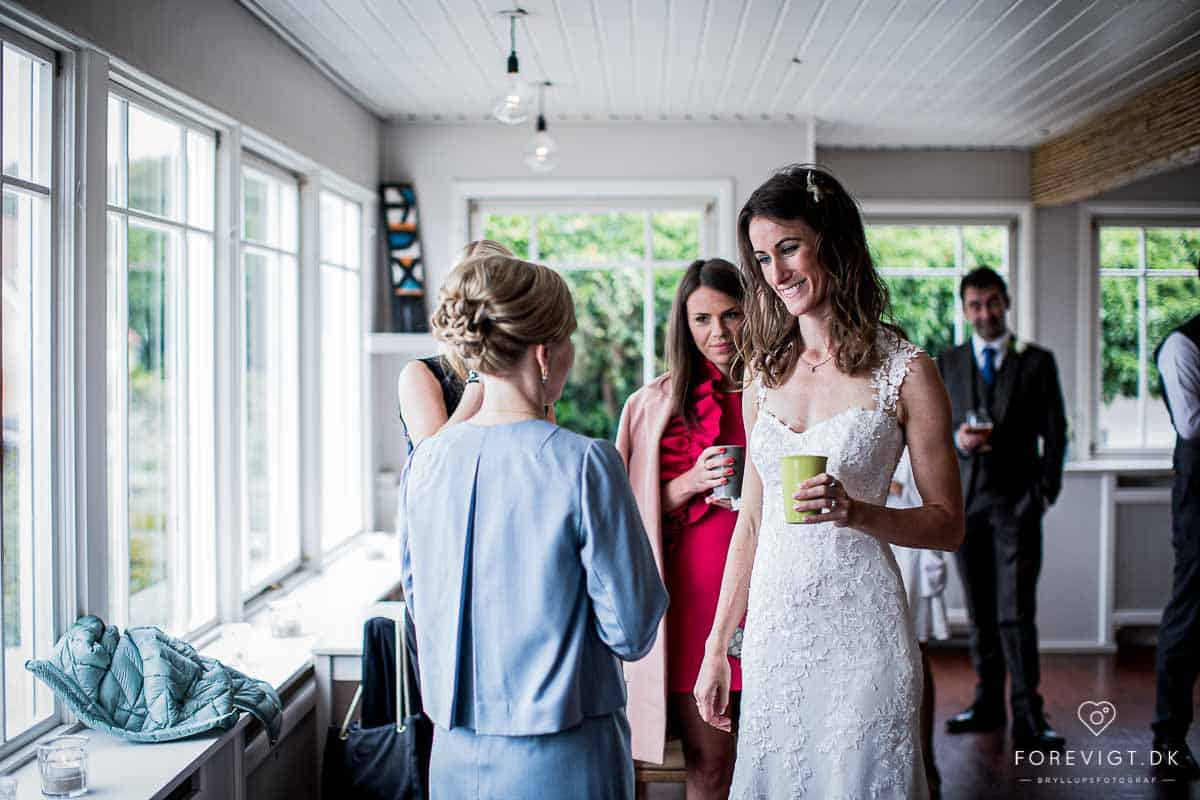 Fotografen kan følge med jer hele dagen, fra tidlig morgen til festen slutter